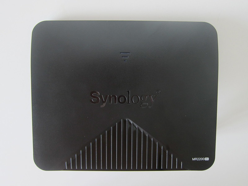 Synology Mesh Router MR2200ac - Front
