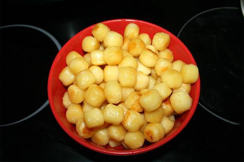 13 - Gnocchi bei Seite stellen / Put gnocchi aside