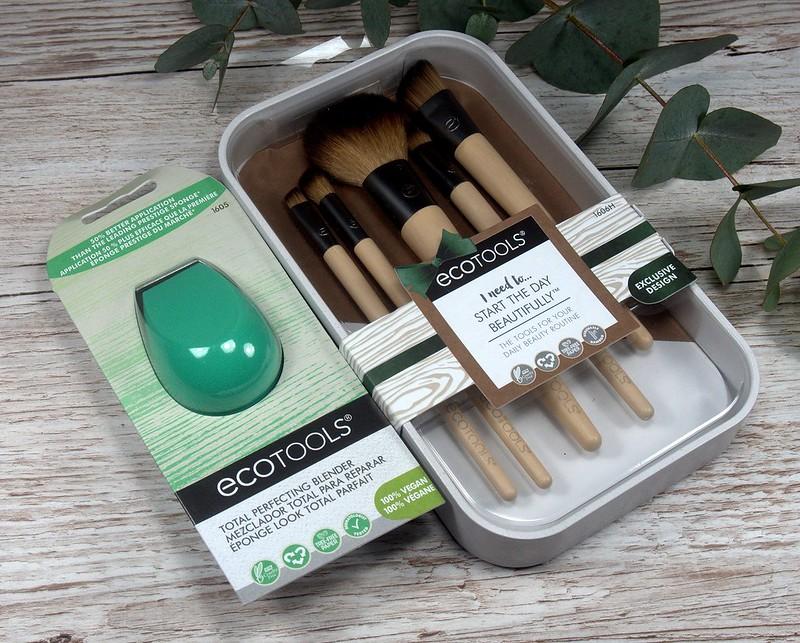 Täydennystä meikkipakkiin - Ecotools siveltimet