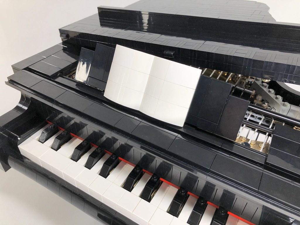 「恐龍化石」即將成為架上的精美收藏!也讓我們一起為「可彈的鋼琴」集氣吧~ 2018年樂高IDEAS 作品第三波審核結果公開~
