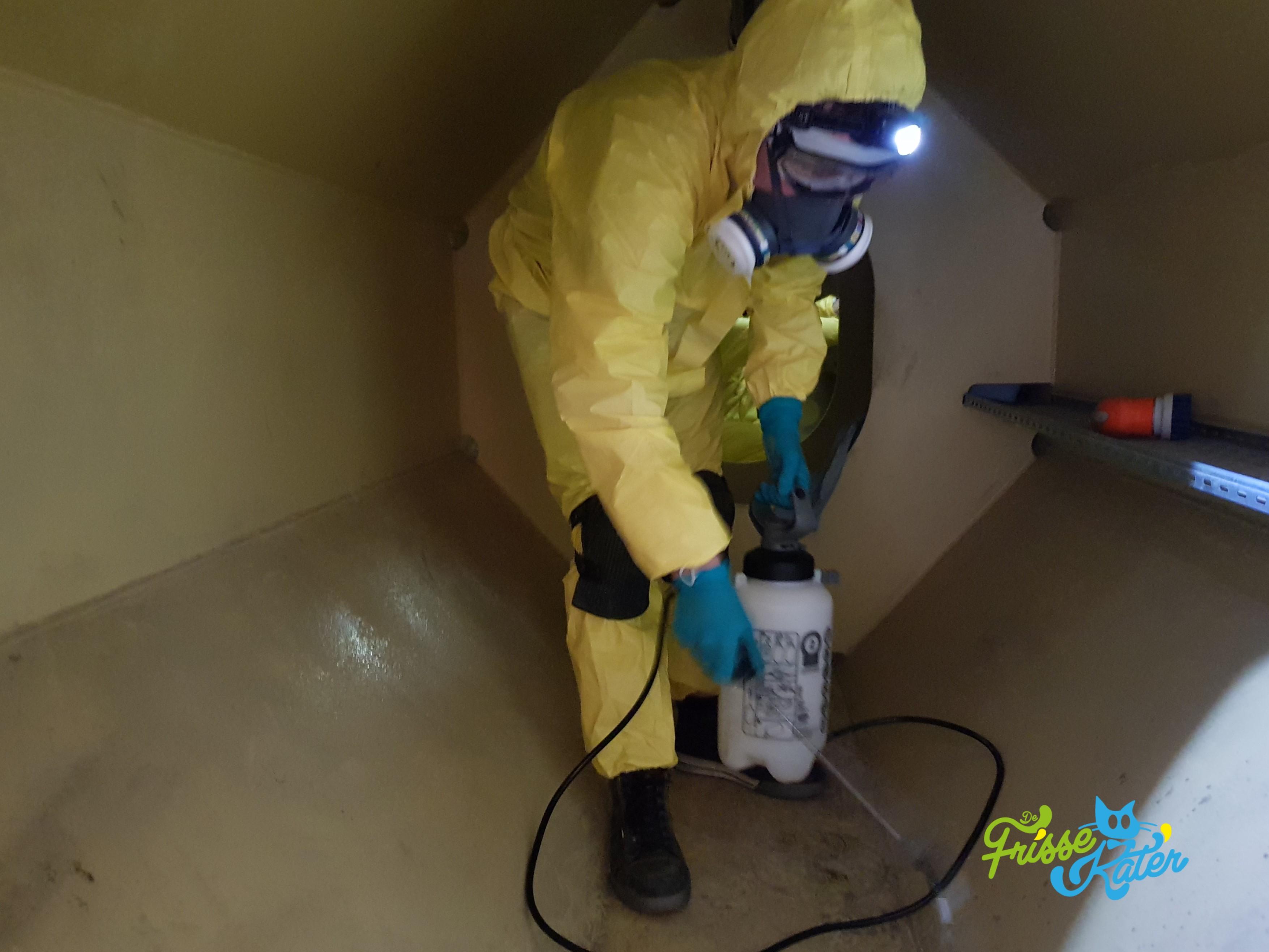 Zelf schoonmaken of een professional inhuren voor uitzonderlijke situaties?