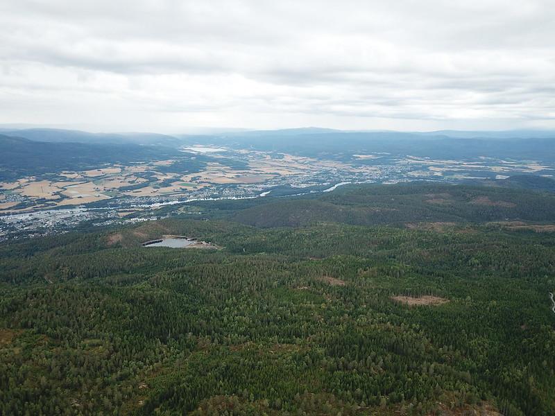 16-Utsikt mot Eiker fra Lokkeråsen (drone)