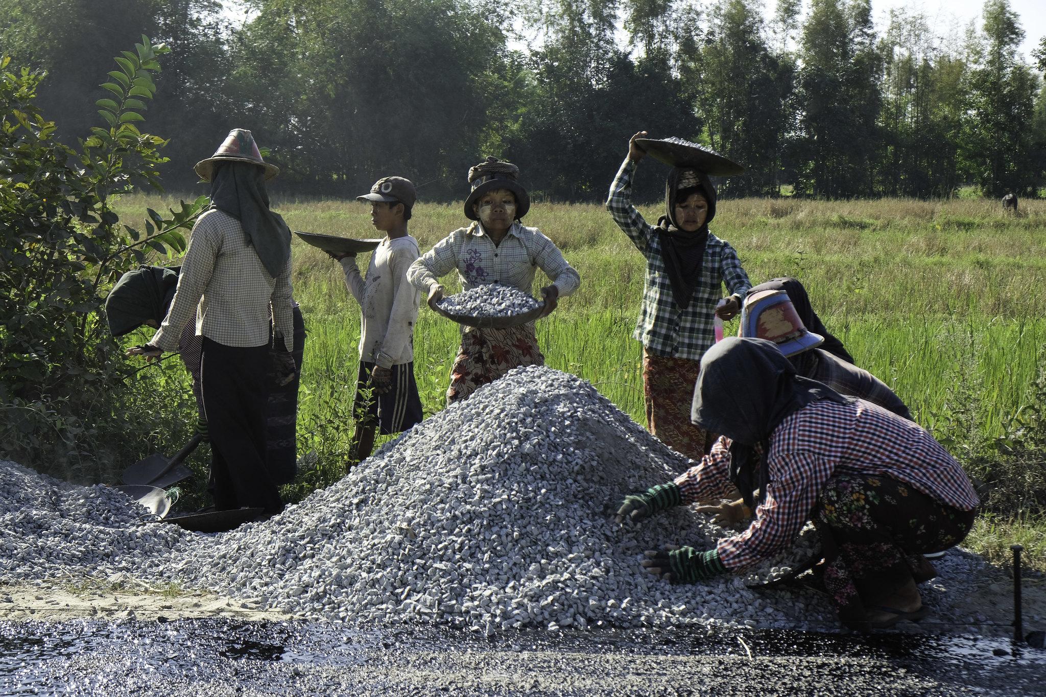 strassenbau in myanmar