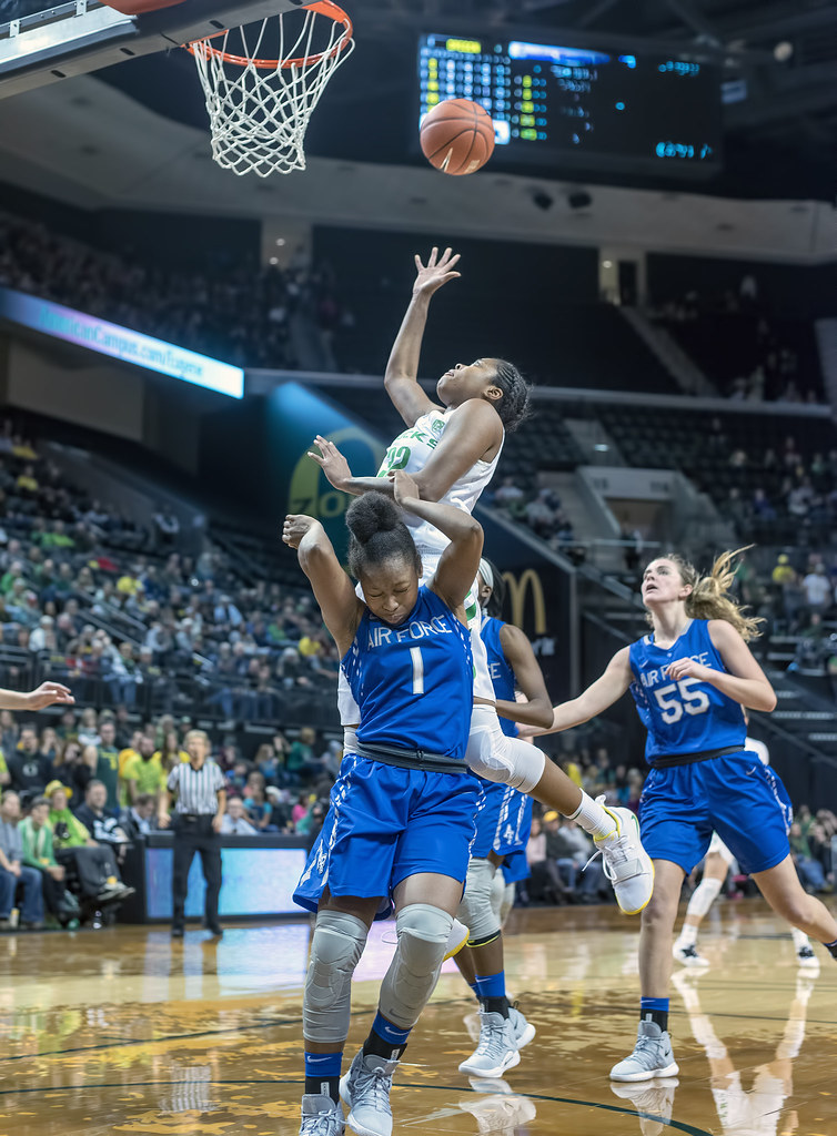 Air Force grounded as Ducks take flight