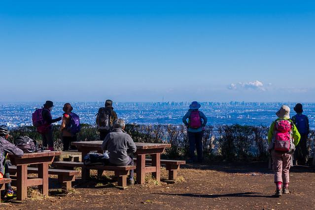 小仏城山から眺める都心