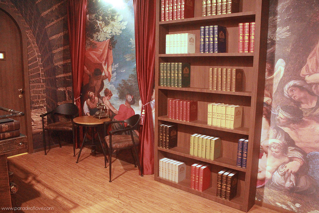 Hogwarts library-inspired reception at Chez Vous:HideAway