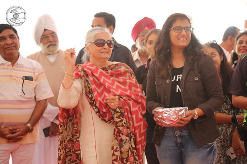 Mohini Ahuja Ji playing the game