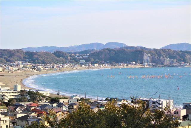 由比ヶ浜を一望できる長谷寺(鎌倉)を表した御詠歌