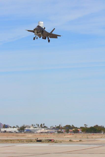 IMG_6105 F-35B Hovering, MCAS Yuma Air Show