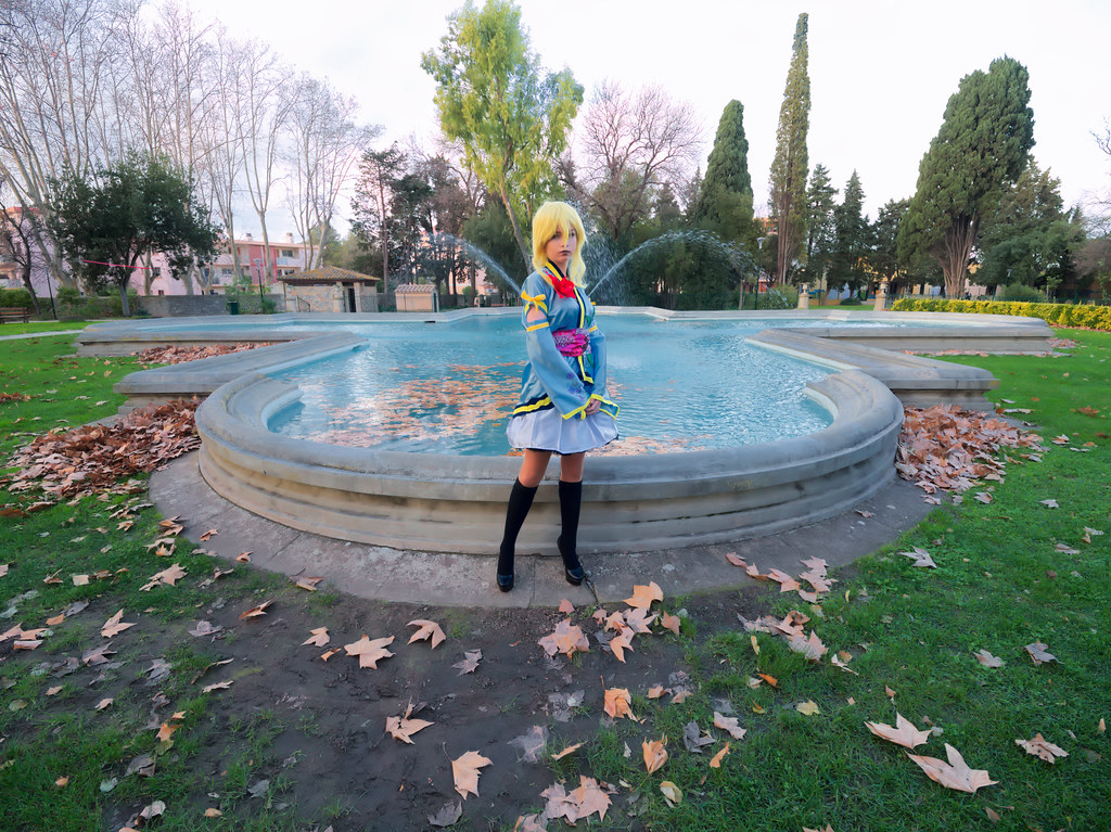 related image - Shooting Love Live - Eli Ayase - Pika Cosplay - Plan d'Eau de La Garde -2018-12-09- P1444313