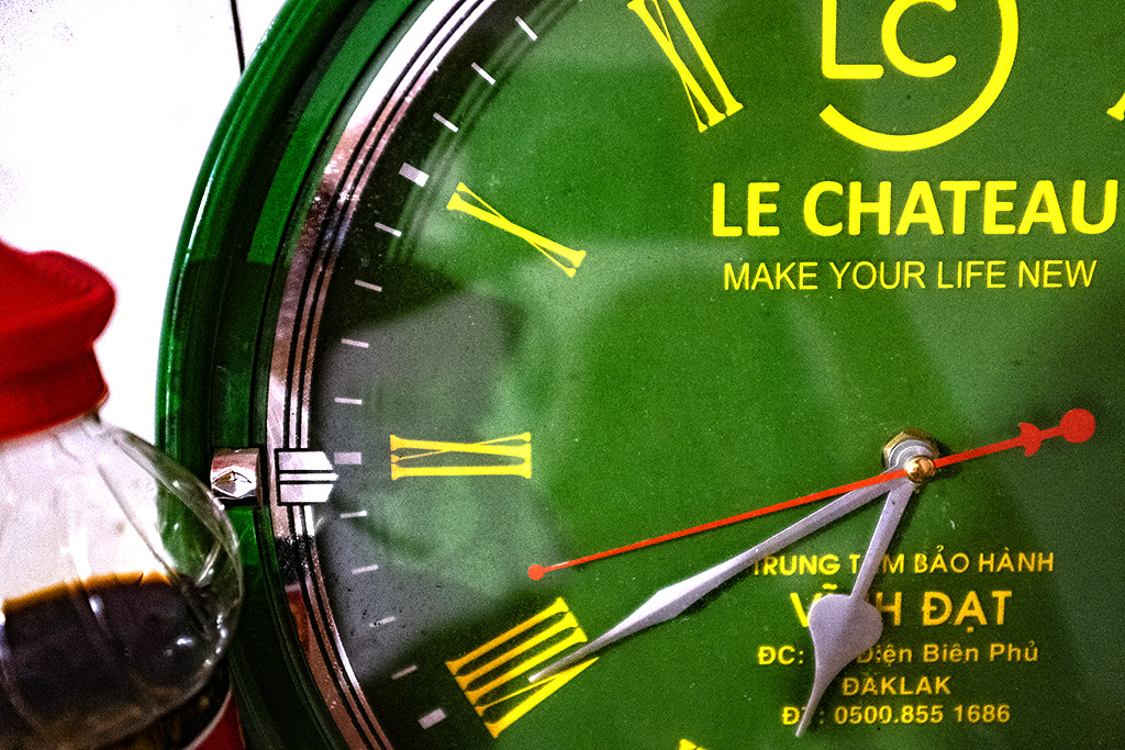 LE CHATEAU MAKE YOUR LIFE NEW--Ea Kly