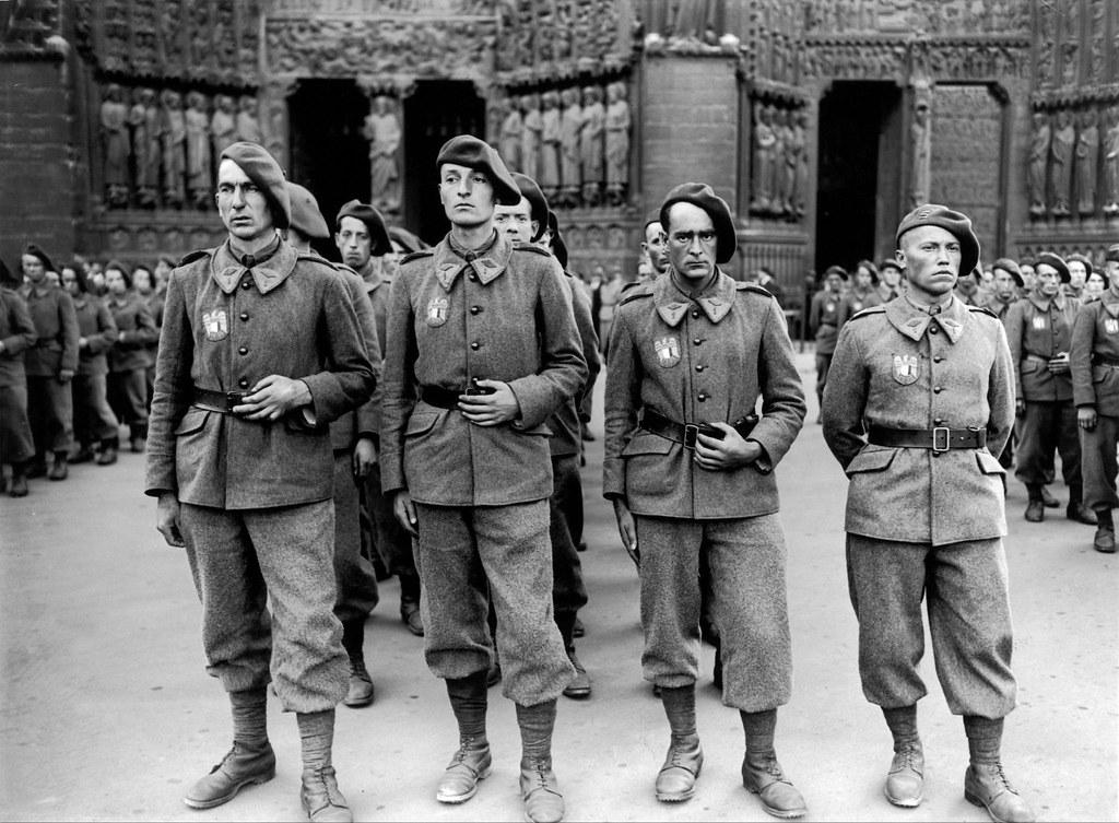 1942. Первая годовщина создания легиона французских добровольцев. Париж, 8 июля
