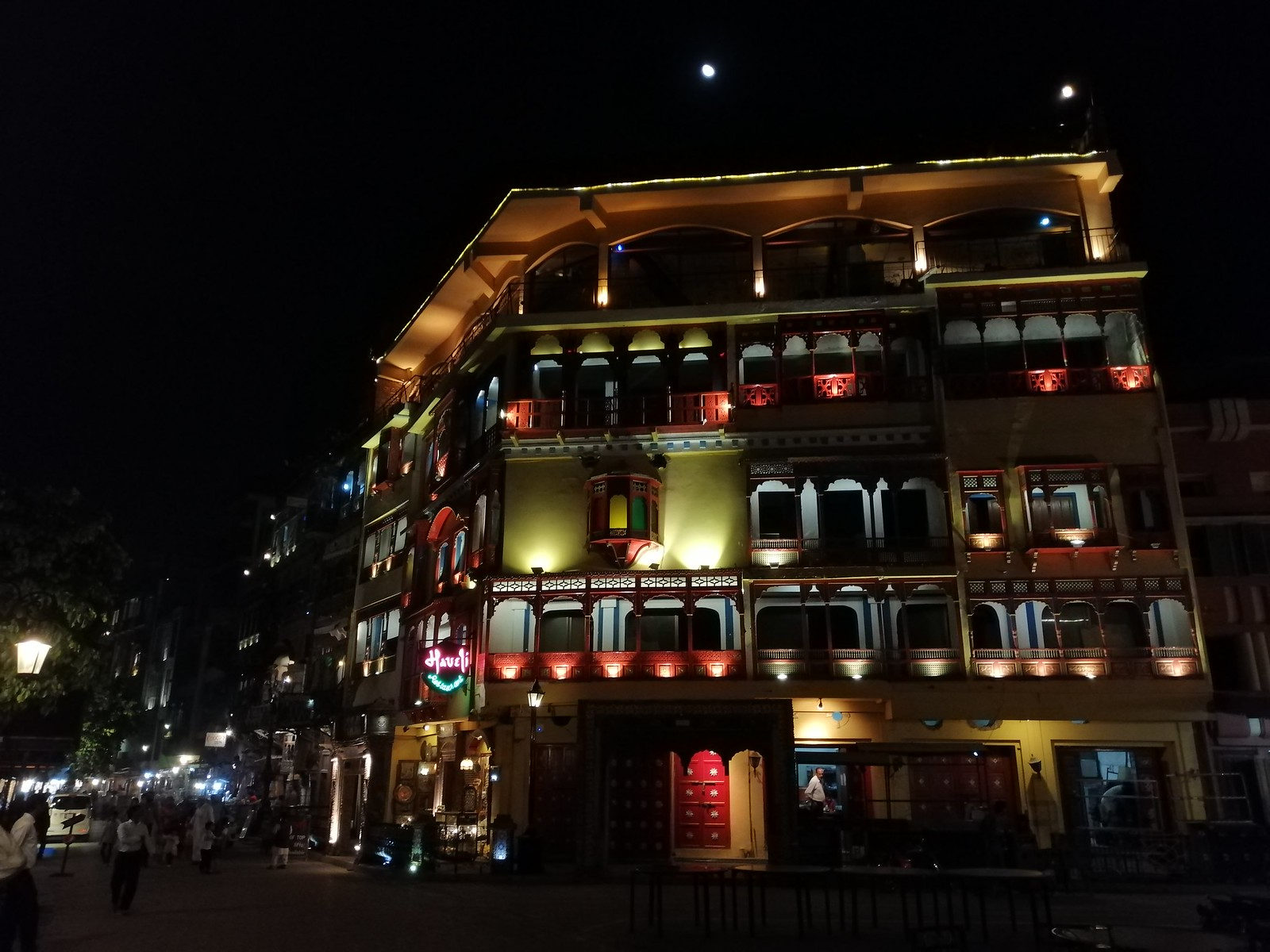 Building Picture with Auto Mode on Huawei Nova 3i