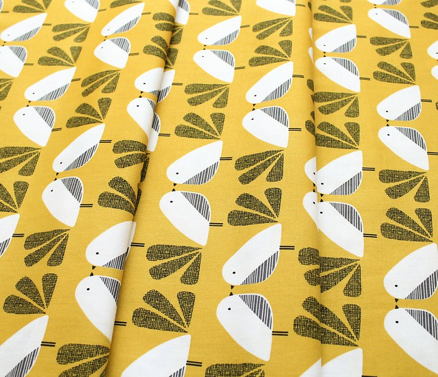 Dashwood Studio Nesting Birds NEST 1411 Mustard Birds