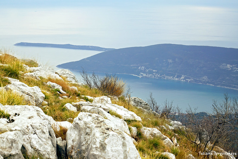Вид в сторону моря с Каменски Кабао