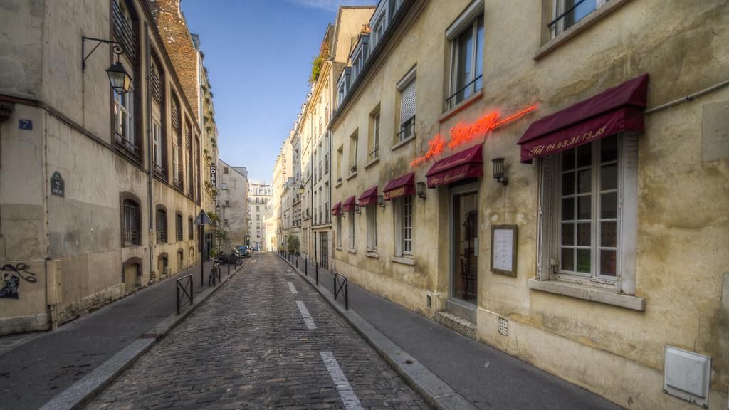 Standard Paris Street