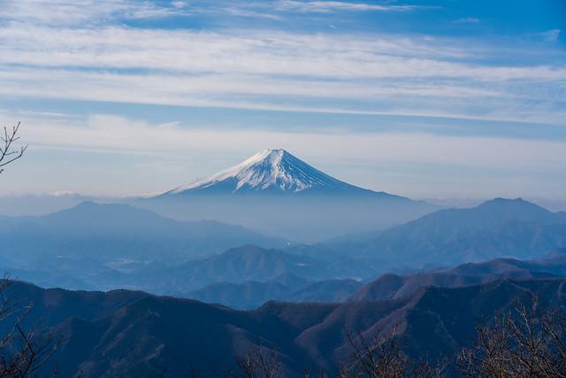 富士山・・・下界は靄