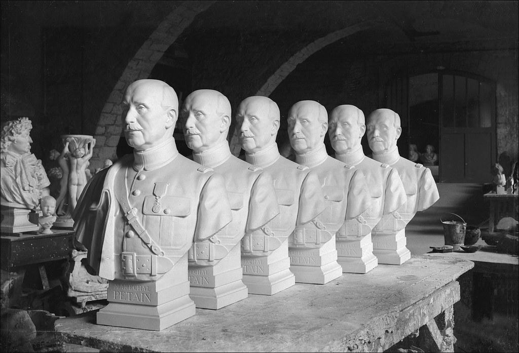 1943. Бюсты маршала Петена для ратуш и префектур. Мастерские национальных музеев. Париж, март