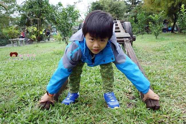 FILA 兒童氣墊慢跑鞋 足弓支撐鞋墊 (25)