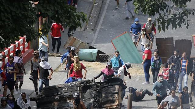 Protestos violentos da oposição deixaram 30 mortos em uma semana na Venezuela