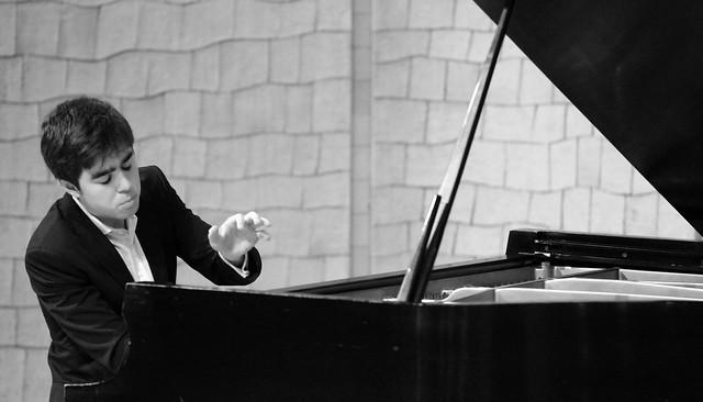 """PEDRO LÓPEZ SALAS, PIANO - CICLO JUVENTUDES MUSICALES - ÁREA DE ACTIVIDADES CULTURALES DE LA UNIVERSIDAD DE LEÓN - AUDITORIO """"ÁNGEL BARJA"""" CONSERVATORIO DE LEÓN 22.1.19"""
