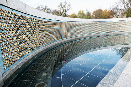 Freedom Wall with stars reflected - WWII Memorial, Washington DC - Explored!