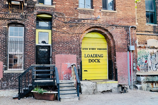 Yellow Loading Dock, Canon EOS 6D MARK II, Canon EF 28-135mm f/3.5-5.6 IS
