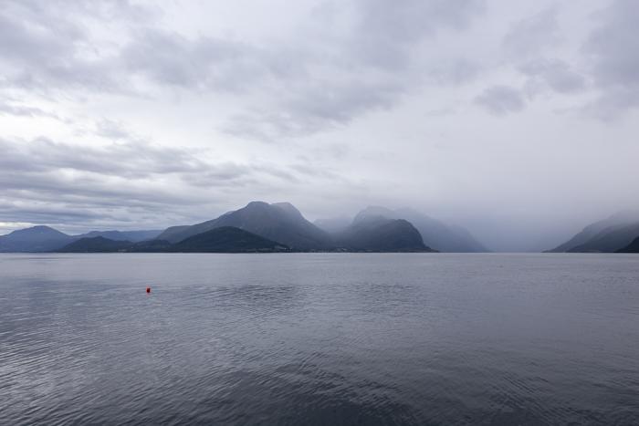 Norja Norge Norway Sunde vuonomaisema_