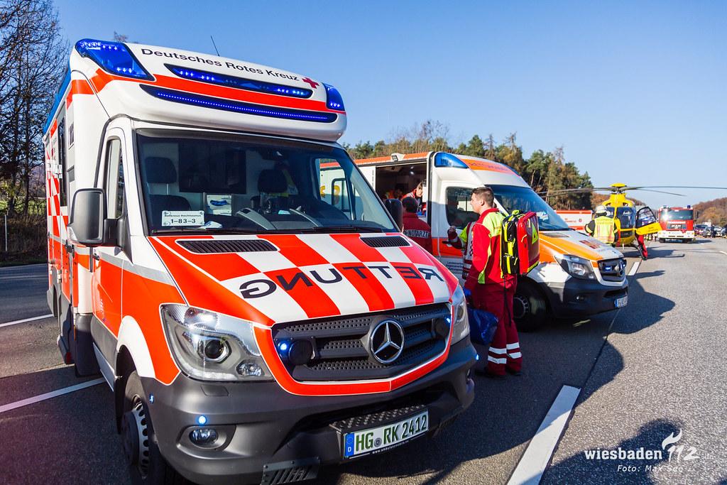 Fünf schwerverletzte bei Unfall auf der A5