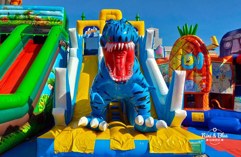 32371034188 592ba884b3 b - 勤美誠品6座中大型恐龍主題氣墊,小孩放電專區