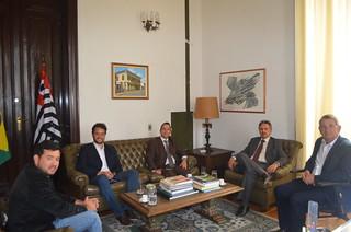 Secretário adjunto da Justiça recebe visita de prefeitos do Interior