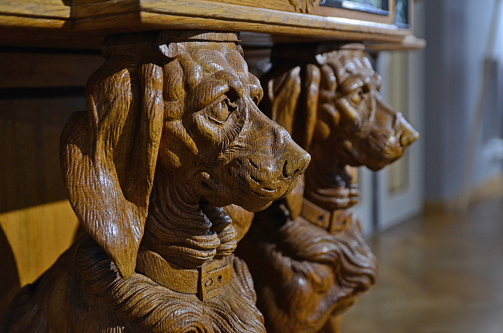 Hunting Style Sideboard 06