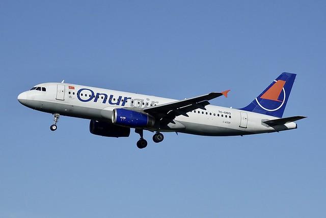 TC-OBG A320-233 Onur Air, Sony DSC-RX10M3, Sony 24-600mm F2.4-4.0