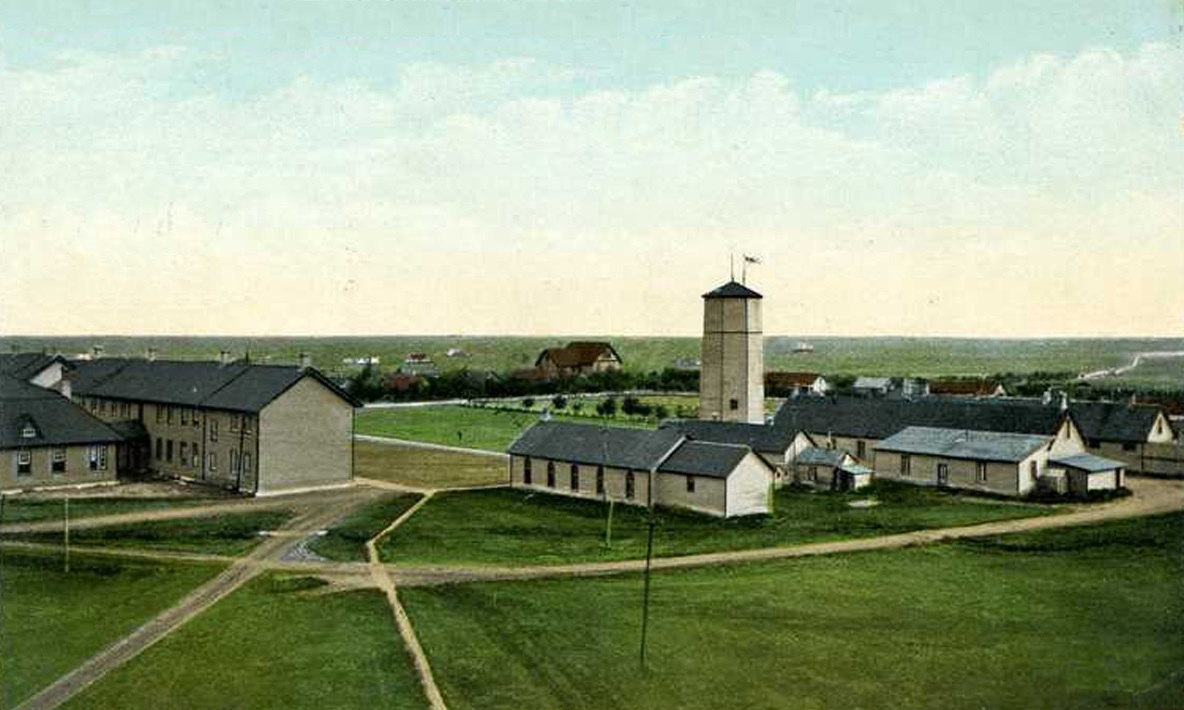 Postcard of Royal Northwest Mounted Police Headquarters in Regina, Saskatchewan, circa 1905.