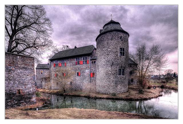 Ratingen - Wasserburg Haus zum Haus 18
