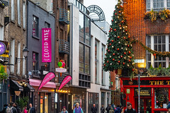 RANDOM IMAGES OF TEMPLE BAR IN DUBLIN [THE LEAD UP TO CHRISTMAS 2018]-146028