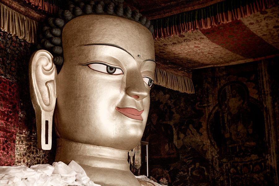 Статуя Майтрейи в Шей гомпе