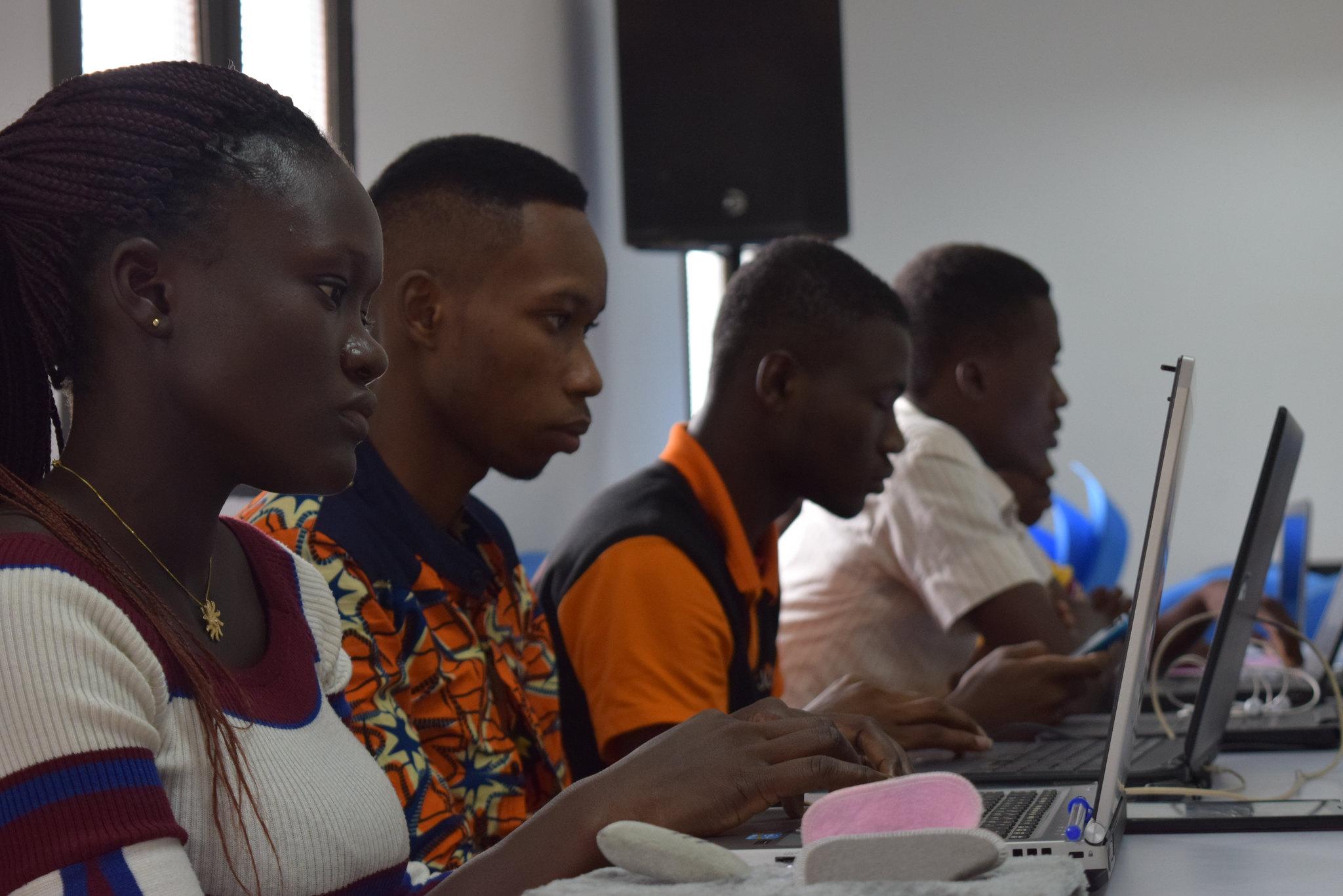 L'Université Virtuelle de Côte d'Ivoire vue par RFI
