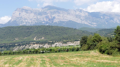 Der Berg Pena Montanesa, nachdem auch ein Campingplatz in Labuerda benannt