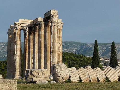 Athény: Největší chrám Dia Olympského se 17 metrů vysokými sloupy