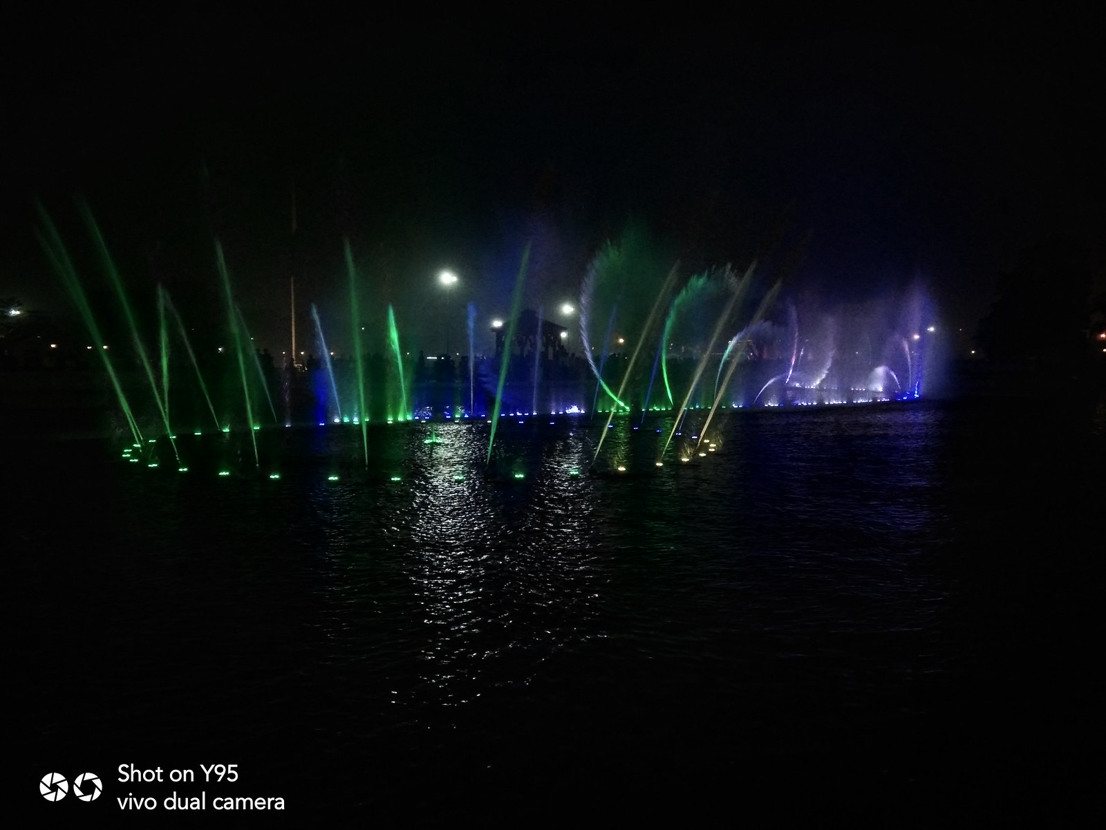 Dancing Fountain Picture with Auto mode at night with vivo y95