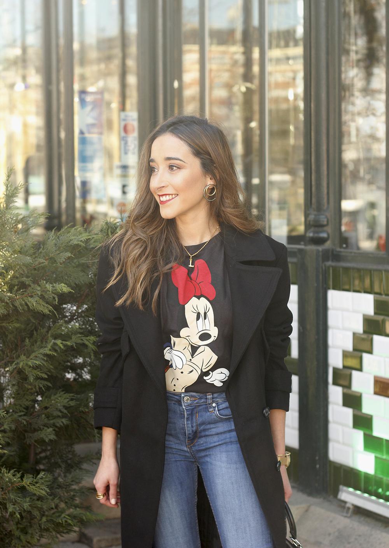 black trench coat amazon fashion minnie t-shirt louis vuitton bag uterqüe street style outfit 201915