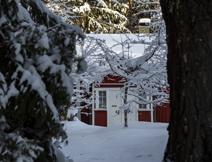 Lähiseutumatkailu vanha talo talvi rakennus punainen_