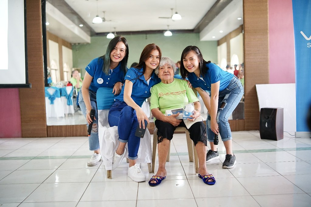 "Tech News: Vivo Creates ""Treasured Moments"" with Elderly"