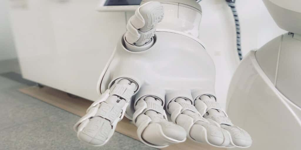 main-robotique-partie-dures-parties-moules
