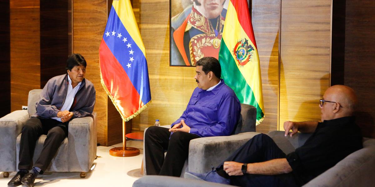 Presidente Evo Morales arriba a Venezuela y manifiesta su apoyo al Gobierno Bolivariano