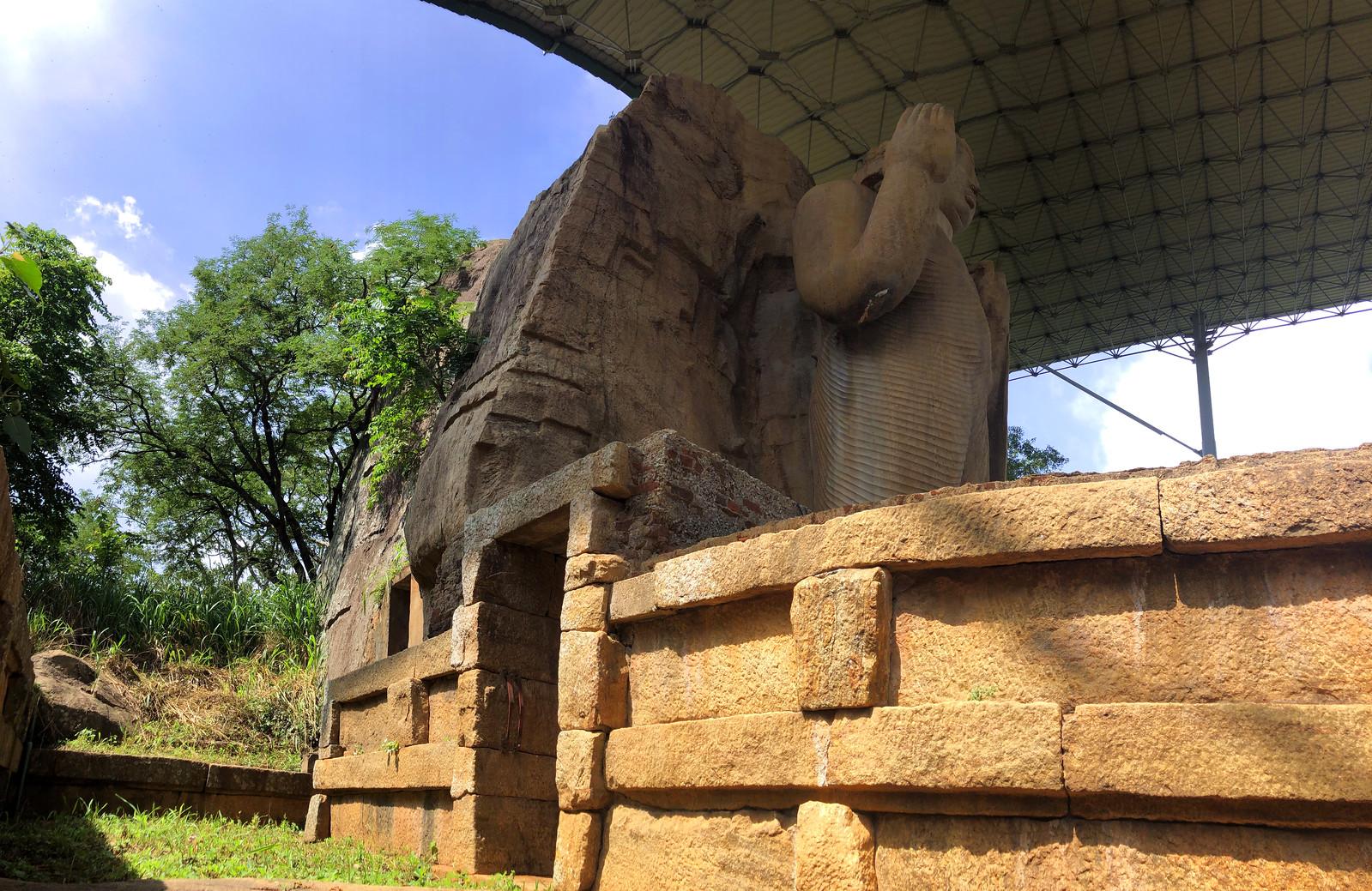 Aukana, la estatua de Buda más alta de Sri Lanka buda de aukana - 46728899952 59b59fa22d h - Buda de Aukana, la estatua de Buda más alta de Sri Lanka
