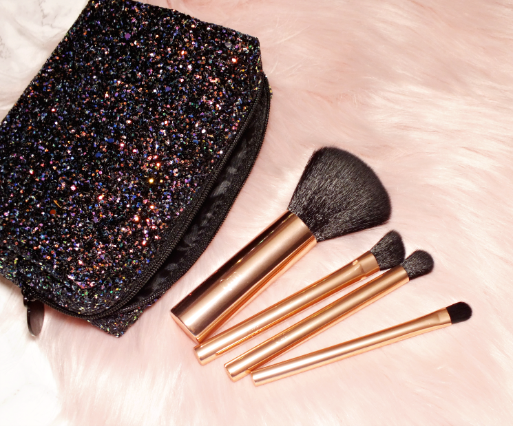 quo holiday 2018 Cosmic Brush Set