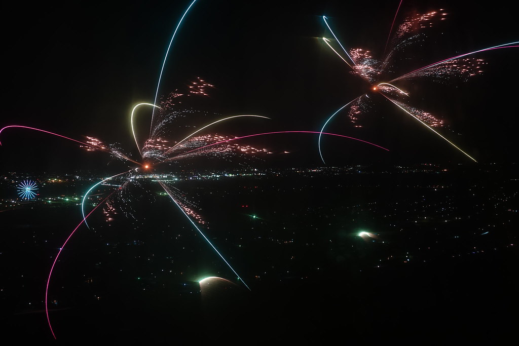 138タワー イルミネーション 花火