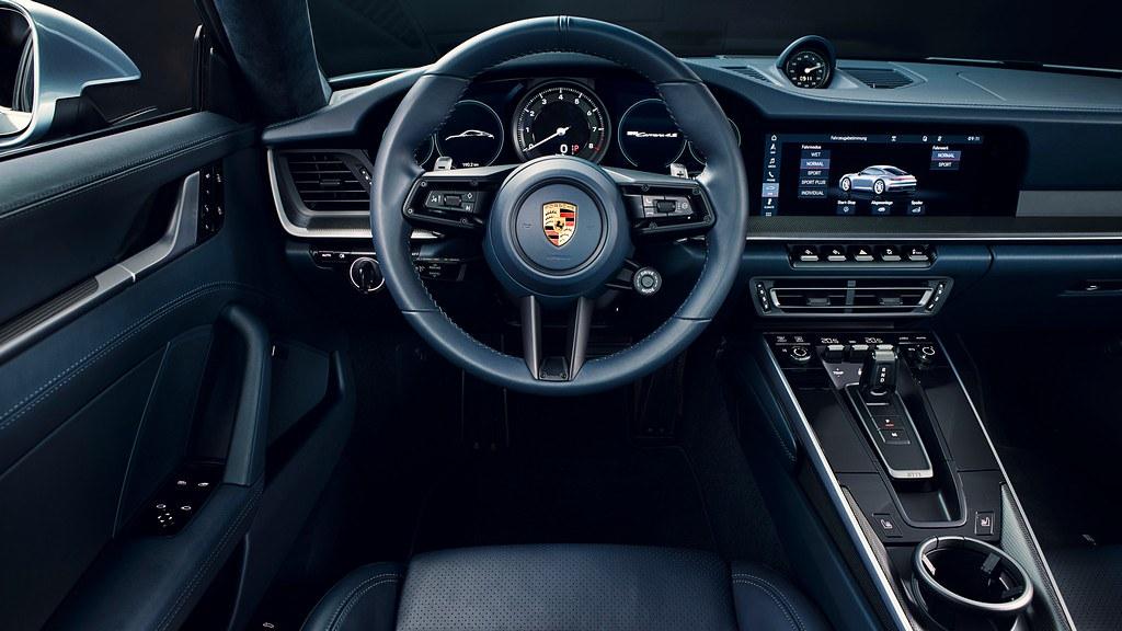 Porsche 911 (992) premiera 5am#